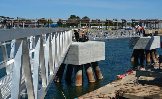 Ponts piétonniers fixes en aluminium