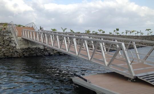 Marine aluminium gangways